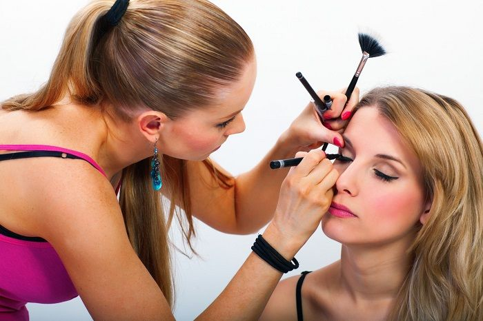 Be it any girl, she will always double check her outfit, handbag, shoes and accessories before stepping out of home. As much important as it is to be careful towards these things, it is equally important to be careful towards wearing the right make-up.