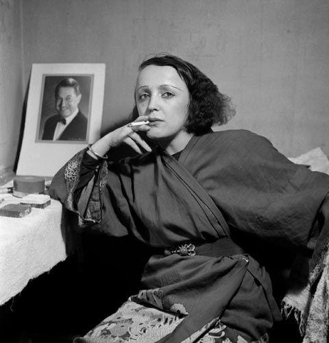 inneroptics:  Edith Piaf - Emile Savitry
