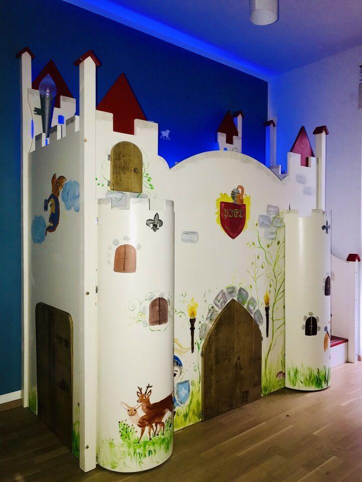 Ritterburg Hochbett Kinderbett Spielgerat Inkl Bucherregal In