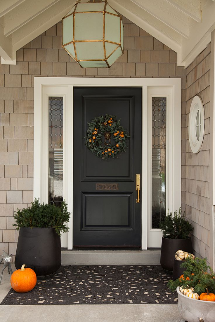 A clean and classic Halloween front door