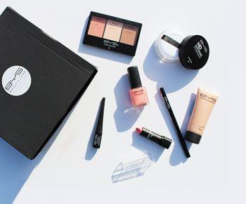 Participez à ce jeu concours Be et tentez de remporter 15 x 1 coffret BYS Maquillage spécial Make-up professionnel de 37 € composé de 7 produits.  Vous devez répondre à 3 questions par : - En Australie - Ses produits de qualité à mini-prix à partir de 1€ - Caroline Receveur Le concours prendra fin le 22 Mars 2016.  Bonne chance !