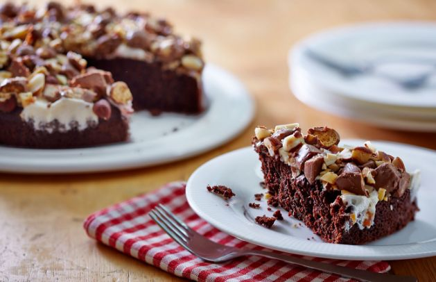 Love This Christmas Rocky Road Cake