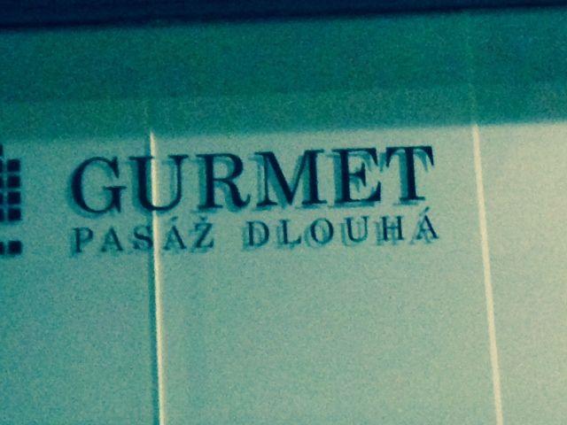 Friday night at Gurmet Pasaz Dlouha (looking for a winebar)