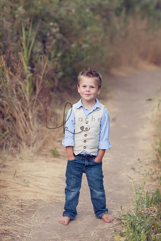 boys: blue chambray oxford, linen vest, dark denim jeans, barefoot // via Kristin Rachelle