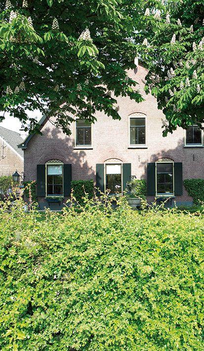 Voel de historie van Mereveld als je aankomt op deze trouwlocatie. Kom kennismaken, wij zijn benieuwd naar jullie trouwplannen! #Mereveld Utrecht in TOP 5 populairste trouwlocaties van Nederland!