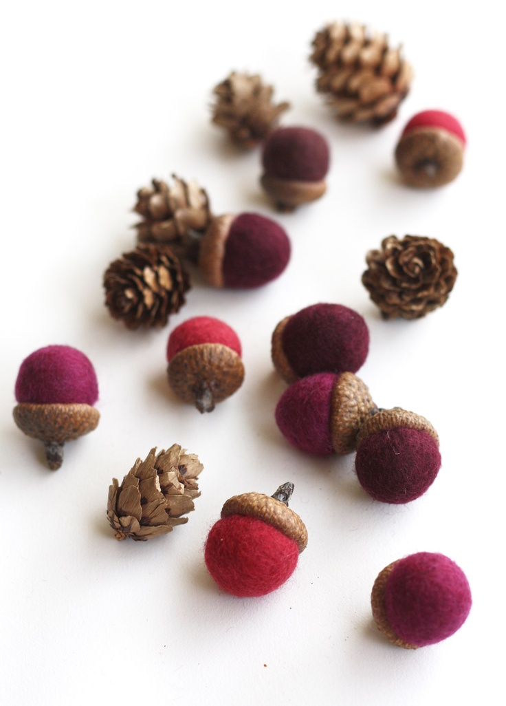 Felted Acorns - set of 10 in reds from delica
