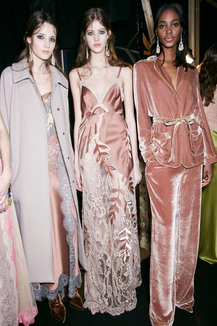 "☆lesliaisonsdemarieantoinette: "" Backstage Alberta Ferretti fall 2016 Milan Fashion Week. Photo, The Impression """