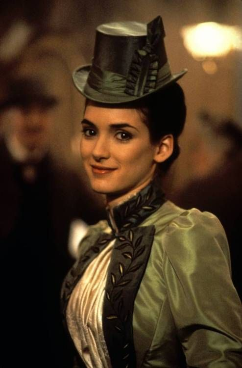 Winona Ryder as Mina Murray in Dracula (1992).