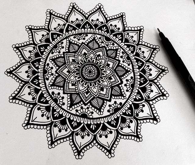 Hey guys, just a little black and white doodle, trying to get back to the basics! ☺️ hope you guys like it, have a wonderful day!  #mandala#black#fineliner
