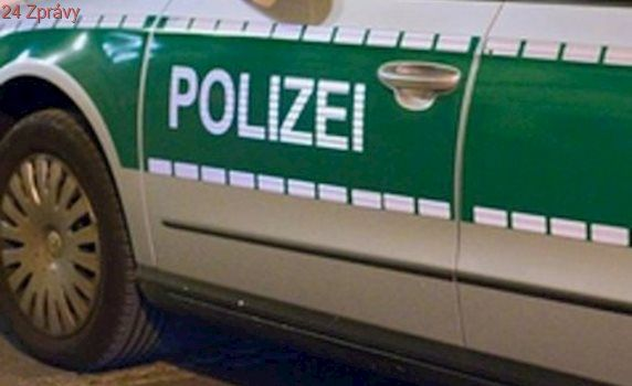 Výbuch v Německu: Explodovala chladírenská hala. Pro zraněné musel vrtulník