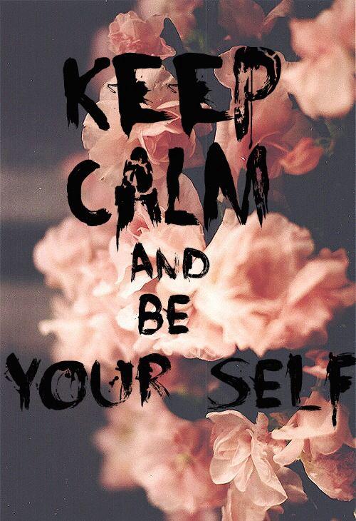 maakt niet uit wie je bent en hoe je doet iedereen mag zijn wie ze echt zijn ! <3 en blijf daar bij je echt zelf! maakt niet uit wat anderen van je denken