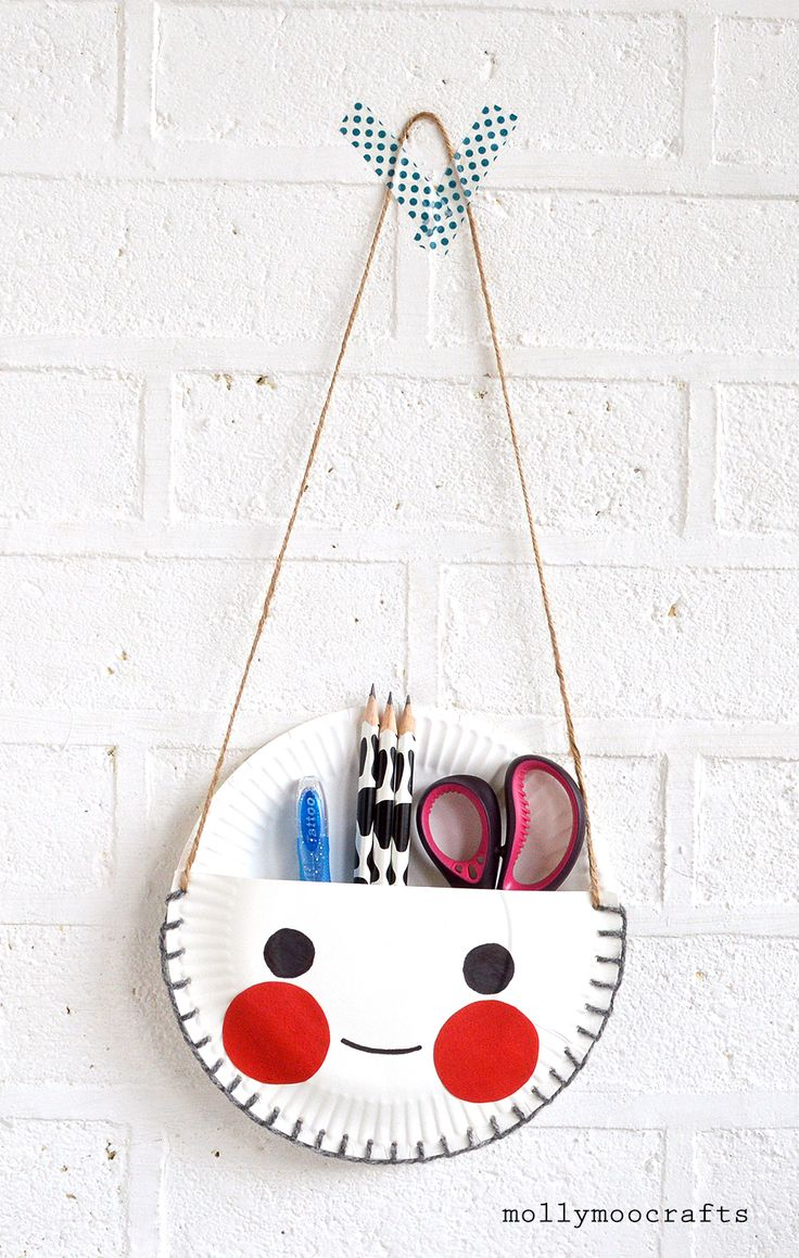The best craft projects to make with kids, via WeeBirdy.com: paper plate desk tidy.