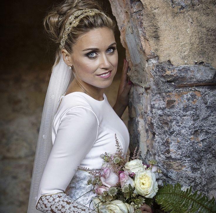 Erika.  Sobran las palabras. Y es que nuestras #lovers, son de otra galaxia.  ¿Quieres una #bodaLOVE? Te estamos esperando.  ¡Feliz Domingo!❤️❤️❤️  LOVE #contamoshistoriasdeamor #weddingplanner #bodasbonitas #Cádiz #Jerez #decor #handmade #destinationweddings #love #amor #novia #vestido #wedding #weddingphotography #boda #fashion #fashionblogger #blog #moda #candybar #inlove #invitadaperfecta
