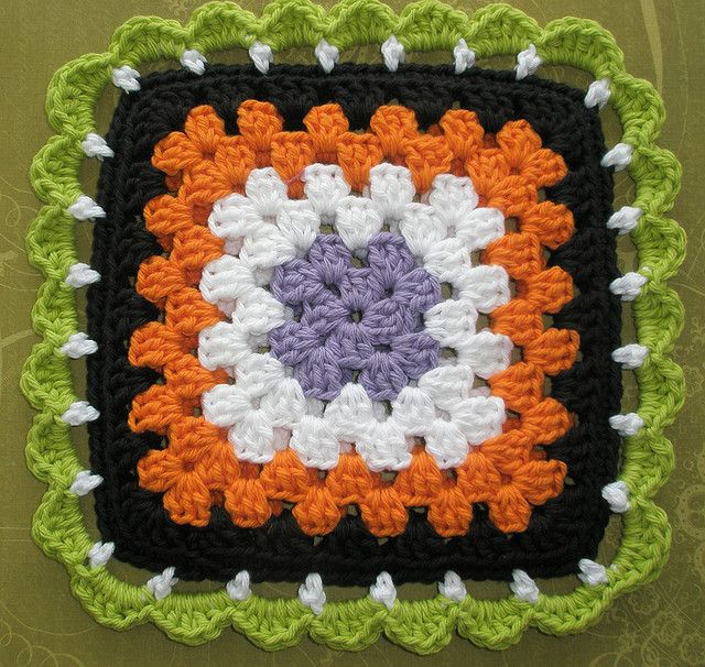 halloween crochet potholder by Two Crazy Crafters, via Flickr. I like this idea…