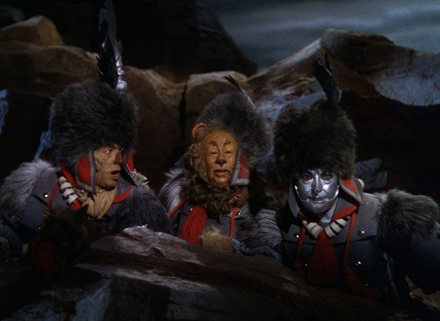 Still of Ray Bolger, Jack Haley and Bert Lahr in The Wizard of Oz 1939
