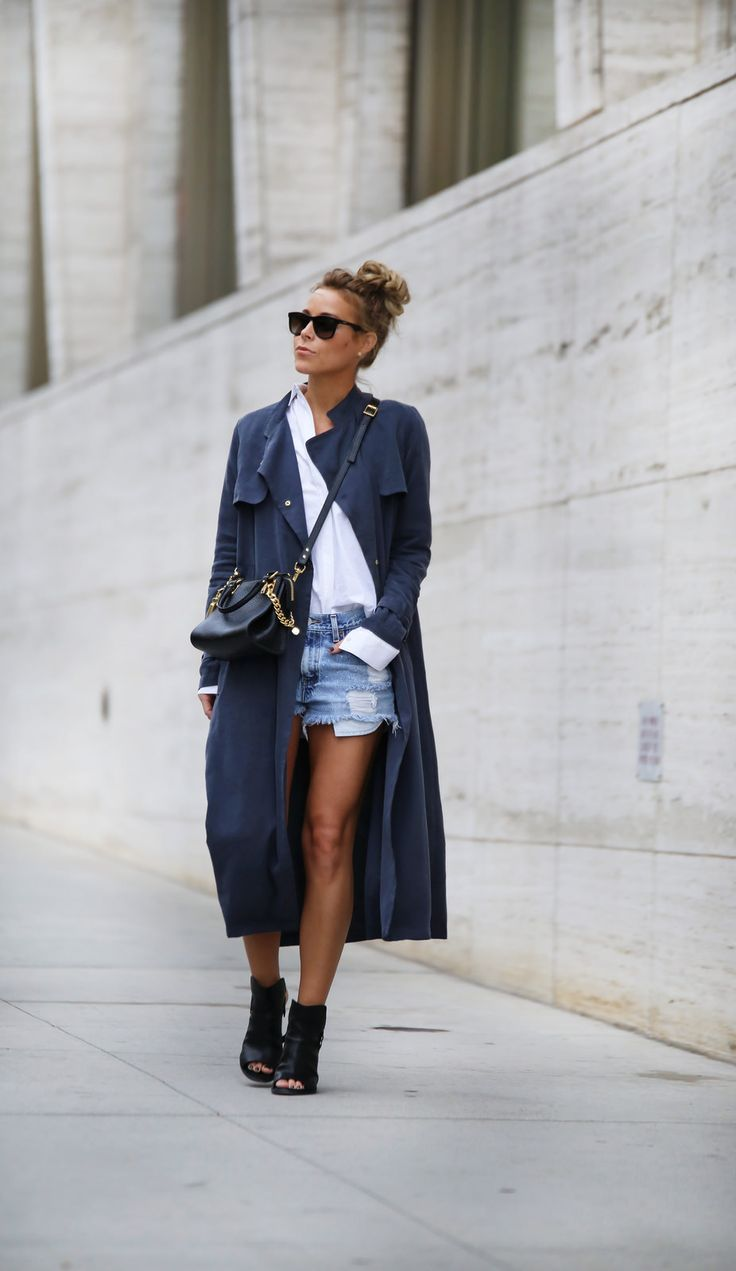 I love this idea for transitioning into #spring2015 with these long coats over shorts, so easy and so effective #streetstyle #fashion