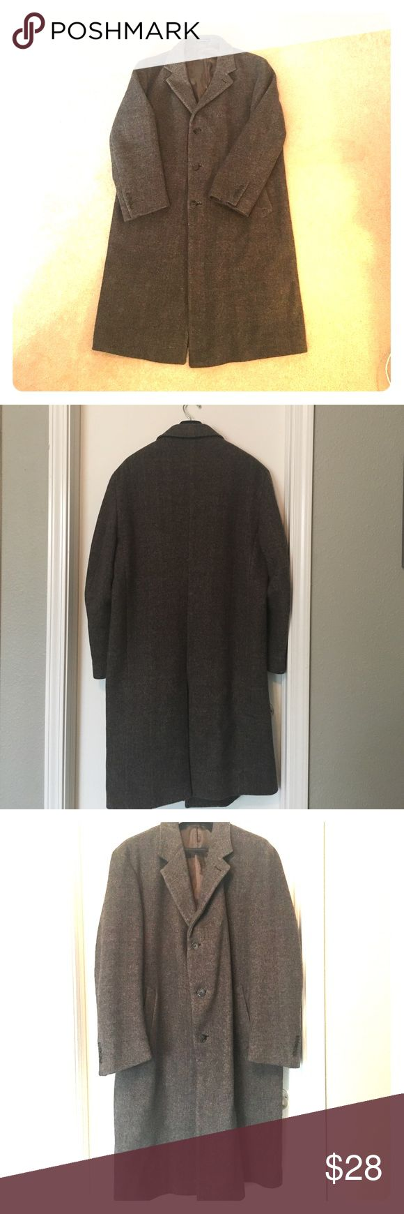 "Nautica-Men's Coat 🔸Winter Sale🎉 In great condition, charcoal colored men's peacoat.                                                      Nice details, such as buttons on the bottom of sleeves. Measurements-26"" x 33""                                                               Smoke-free home. Nautica Jackets & Coats Pea Coats"