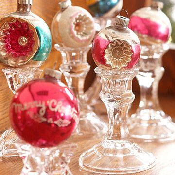 Christmas CenterpiecesDecor Ideas, Candlesticks, Candle Holders, Candles Holders, Vintage Ornaments, Christmas Decor, Christmas Ideas, Holiday Decor, Vintage Christmas Ornaments