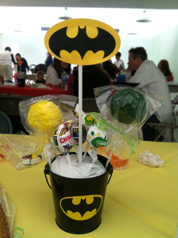 Batman centerpiece with cake pops emmanuel s party ideas