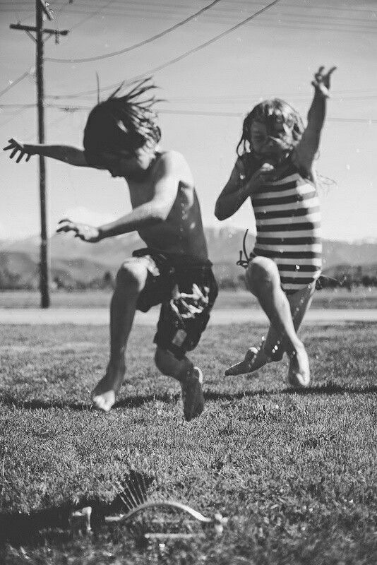 ♡ fun in the sun playing in the sprinklers