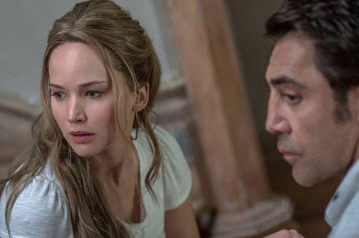 El filme está estructurado en dos partes. Una primera, más interesante, en donde el hogar del matrimonio conformado por una joven mujer y un poeta maduro, recibe la invasión de ...