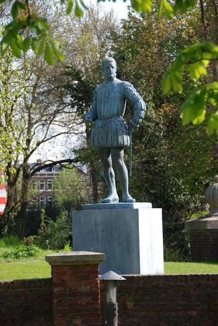 Willem van Oranje. Standbeeld op het terrein van de KMA in Breda.