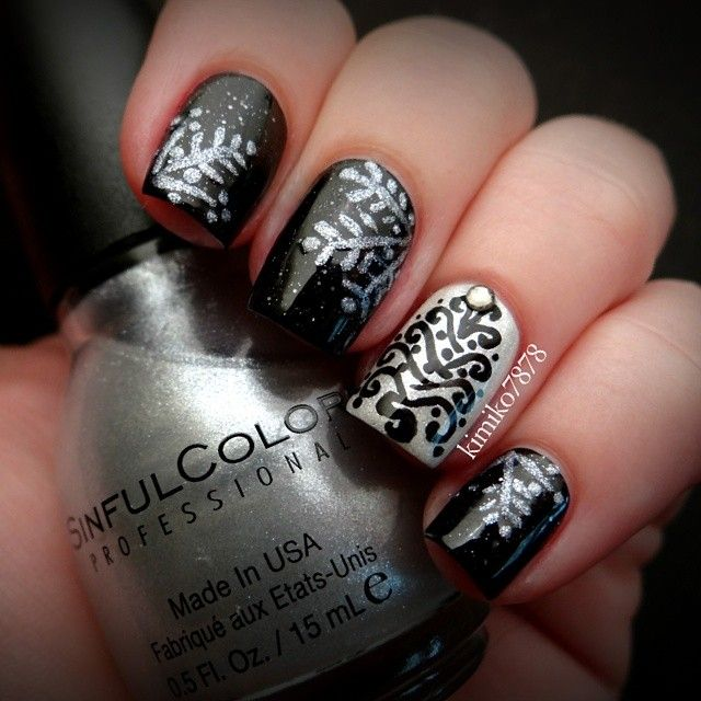 Elegant Christmas Nail Art: 17 Best Images About Nails...Holiday... On Pinterest