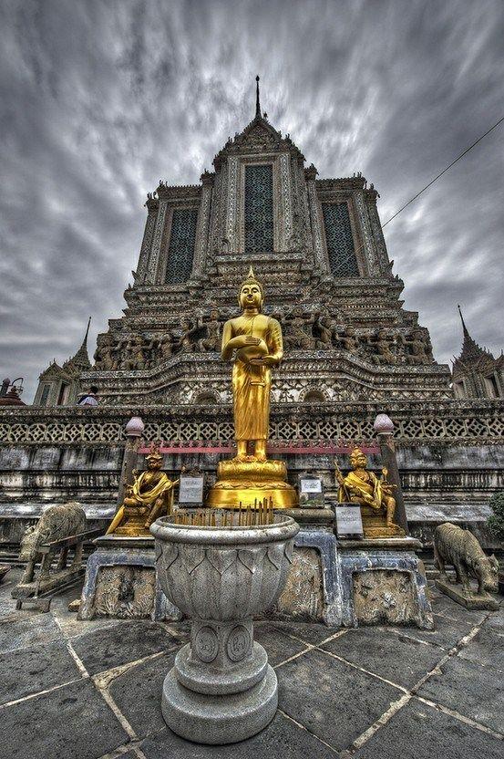 Golden Buddha, Wat Arun, Bangkok, Thailand