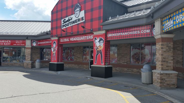 This is the complete storefront Speedpro Imaging Oshawa did for Smoke's Poutinerie corporate headquarters. Looks incredible!