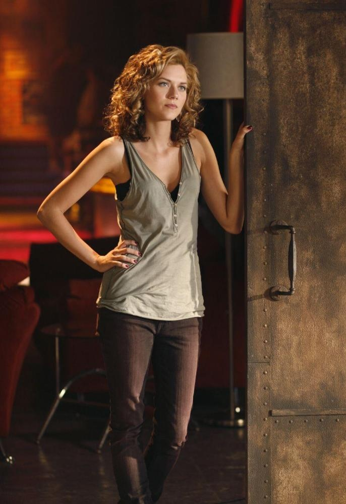 Hilarie Burton as Peyton Sawyer