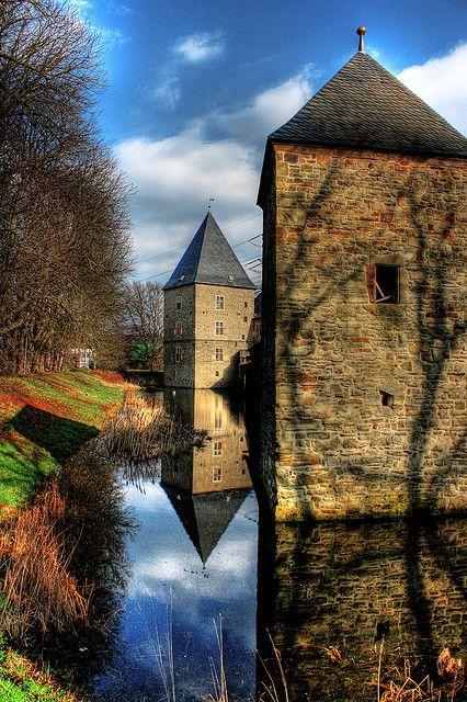 Wasserschloss Haus Kemnade - Hattingten, Germany