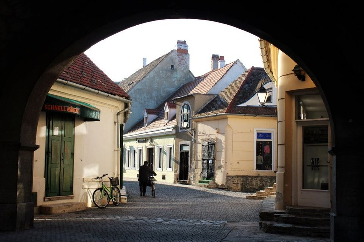 Kőszeg http://www.facebook.com/photo.php?fbid=259429517474935=a.259420547475832.62952.203925819691972=3
