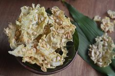Diah Didi's Kitchen: Rempeyek Kacang Mede