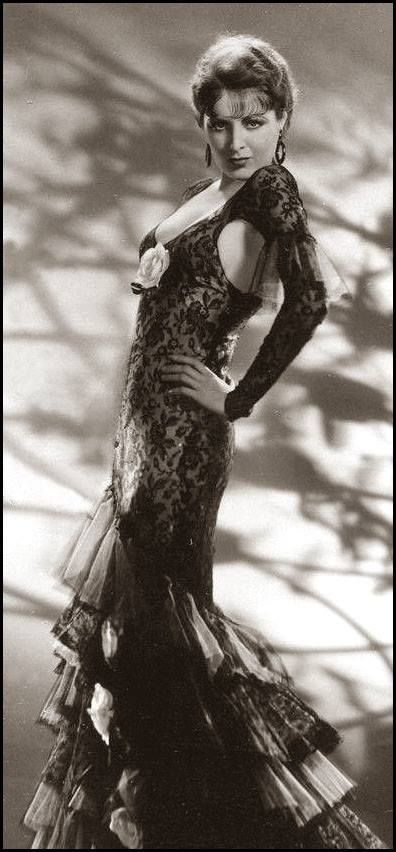 """Billie Dove publicity shot for """"Cock of the Air"""" 1932"""