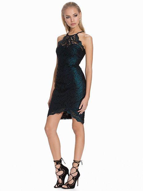 Nelly.com: Lace High Neck Dress - Lipsy - kvinde - Teal. Nyheder hver dag. Over 800 varemærker. Uendelig variation.