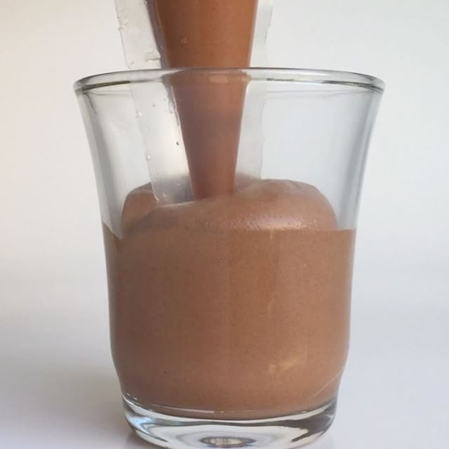 ✨Mousse Chocolate✨ Video receta en Youtube Miquel Antoja. Sin gluten, sin azúcar y lista en 15min‼️ • • • #mousse #cacao #chocolate #cioccolato #xocolata #receta #recetas #recipe #recipes #glutenfree #glutenfreevegan #badalona #igersbcn #igersbarcelona #igerscatalunya #igerscatalonia #cocoa #igersmadrid #cake_cookies_chocolate #chefsofinstagram #chefsroll #chefstalk #youtuber #youtubers #chocolates #chocolatelover #cereal #glass #pastry @valrhonaes