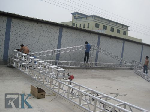 You can hang LED, lighting, tent, sound, LED screen and banner on the truss, suitable for displays, exhibitons, show, performance, concert, events, etc, finish in a snap, very strong, convenient for set up and transportation.  www.beyondstage.com
