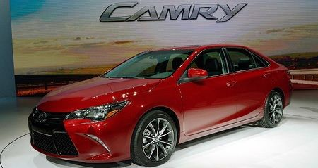 2017 Toyota Camry - competitors