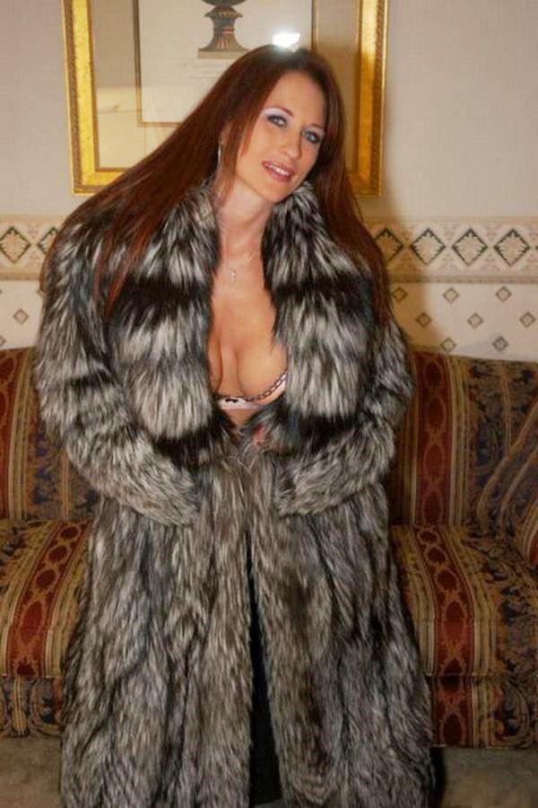 Horny girl carla cox loves the taste of semen - 4 2