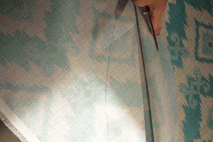 How to recover a Papasan Chair cushion - DIY Papasan Chair Cover tutorial at thehappyhousie.com-7