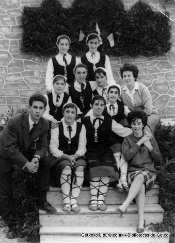 Itxas Gane dantza-taldea / Grupo de danzas de Itxas Gane (ref. 04744)
