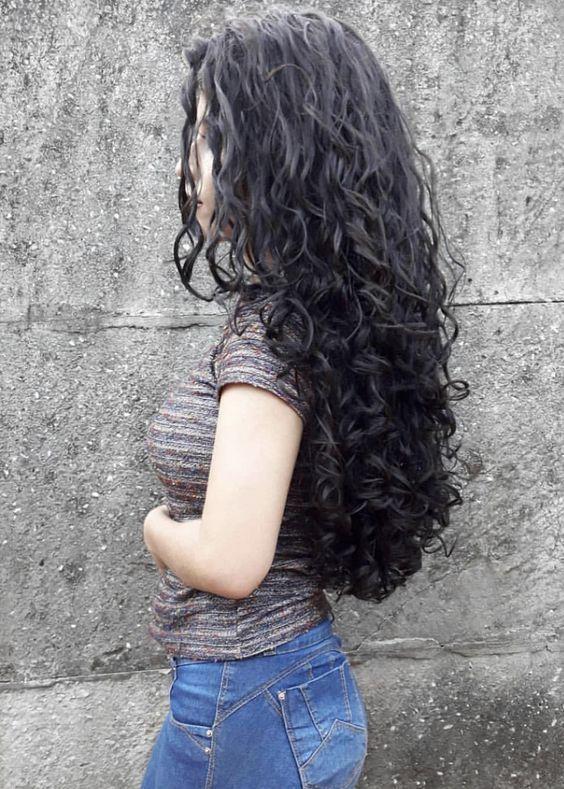 süße lockige Frisuren, lange Frisur für lockiges Haar, lockiges Haar - #Frisur #Frisuren #für #Haar #lange