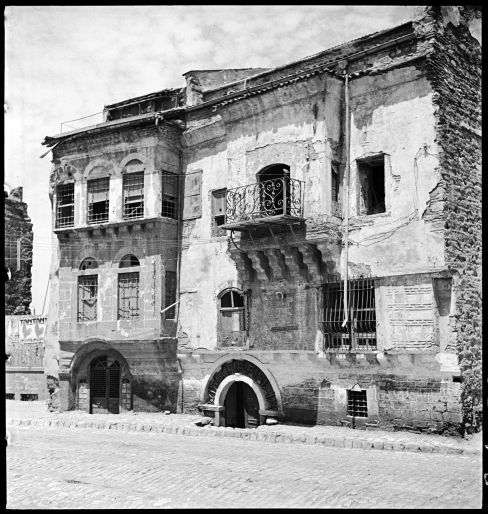 Façades of houses at Fener. ©Nicholas V. Artamonoff Collection, Image Collections and Fieldwork Archives, Dumbarton Oaks.