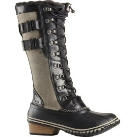 Go to battle with blizzard conditions in the SOREL® Women's Conquest Carly II winter boots. As durable as it is stylish, this women's winter boot offers waterproof full-grain leather and suede uppers to fight off moisture, while 100g insulation retains warmth. Secure bungee and lace closures lend a snug fit that protects feet and legs from the elements. Tough out the winter in the women's Conquest Carly boots by SOREL®.