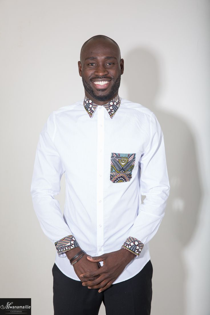 Chemise blanche coupe slim avec touche de wax par pour Afrikrea. https://www.afrikrea.com/article/chemise-slim-homme-fleurs-blanc-chemises-blanc-pour-lui-coton-wax/97MIA7E?utm_content=bufferdce21&utm_medium=social&utm_source=pinterest.com&utm_campaign=buffer