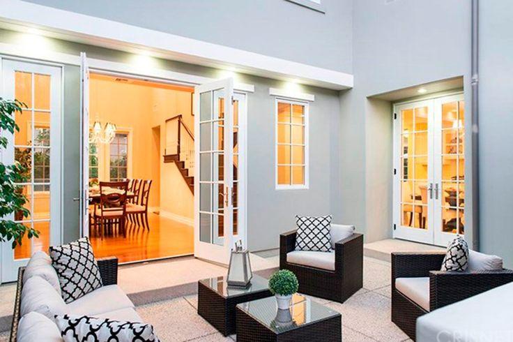 1000 ideas about kris jenner house on pinterest jenner. Black Bedroom Furniture Sets. Home Design Ideas