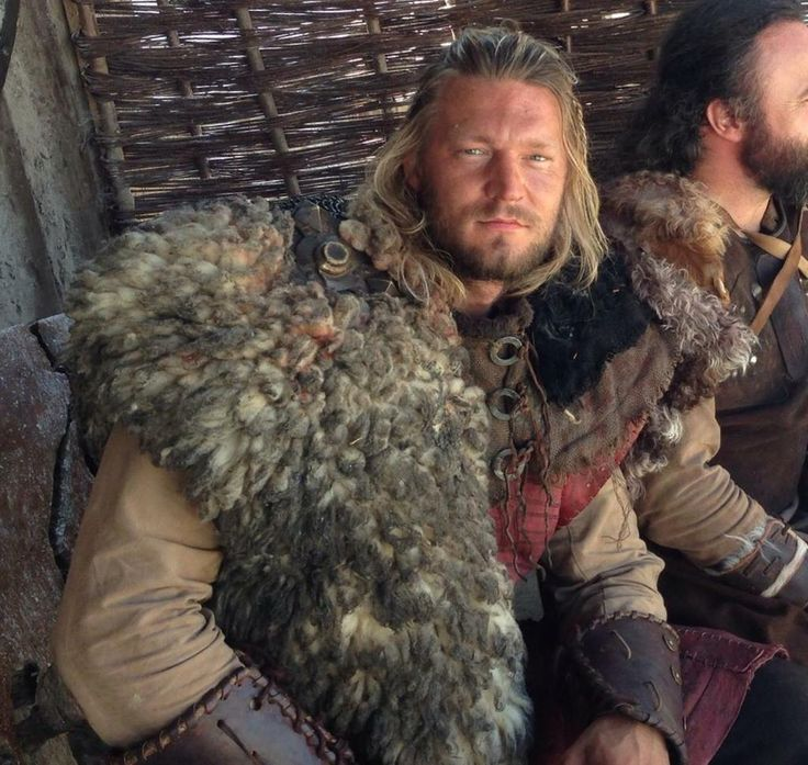 Clive Standen @CliveStanden  ·  Jan 31 Today's Most valued Viking is Marcin,who's fists are as strong as Thor's hammer! #MVV #VikingsSupportingArtists