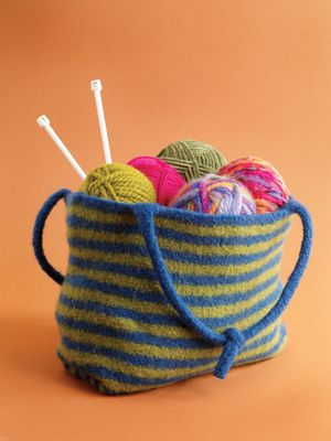 Free Knitting Pattern 60140AD Felted Tote : Lion Brand Yarn Company