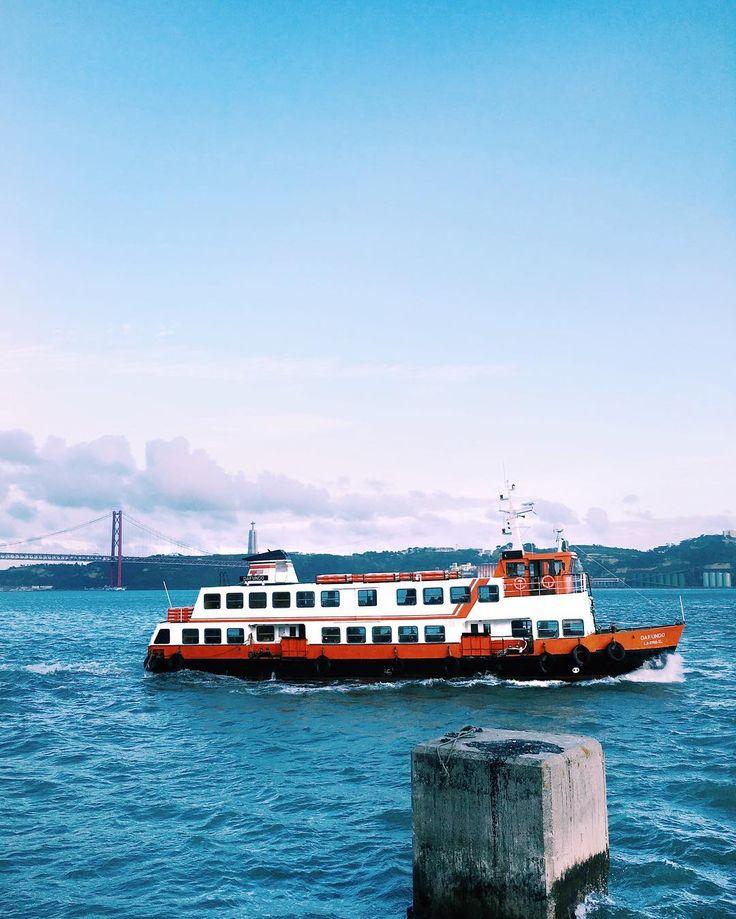 [ enter shit here ]  The Weeknd - The Hills #VSCO #VSCOcam #lisboa #river #portugaldenorteasul #lisboalive #boat #ferri #sunset #cloudporn #pinksky
