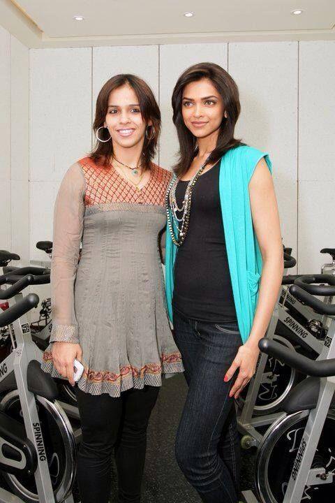 Saina Nehwal With Deepika at Gym Opening | Veethi